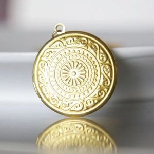 Round Ornament Locket Necklace, Brass, Handmade 🌸